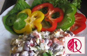 Qırmızı lobya salatı (foto resept)
