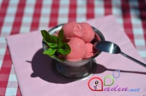 Çiyələkli dondurma (foto resept)