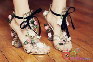 Aliks - The Cherry Blossom Girl