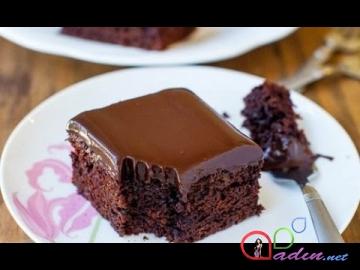 Sulu, şokoladlı keks