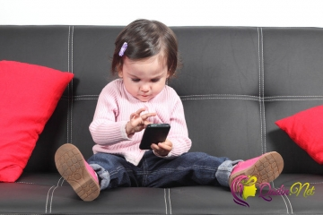 Uşaqlara neçə yaşında telefon alınmalıdır?