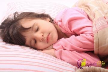 Uşaqlarda diş qıcırtmasının səbəbləri nədir?