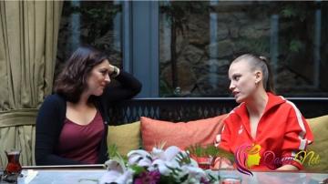 Ezgi Mola və Serenay Sarıkaya 4 saat yemək yedi-FOTO