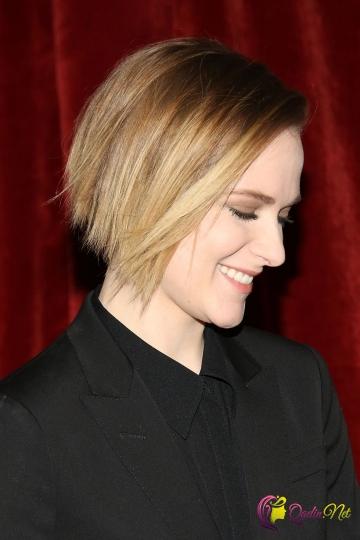 Yumru üzlər üçün ən yaxşı qısa saç modelləri