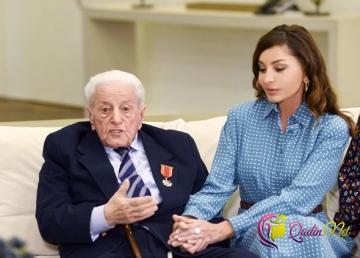 İlham Əliyev və Mehriban Əliyeva Xalq artisti ilə görüşdü - FOTO