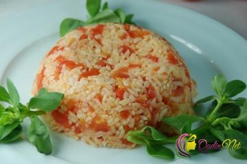 Pomidorlu plov (foto-resept)
