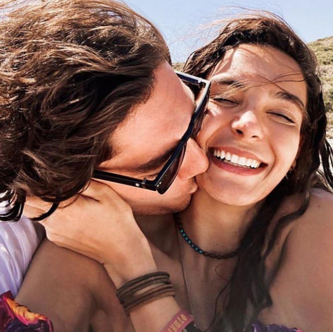 Ebru Şahin sevgilisi ilə birlikdə ilk şəklini paylaşdı